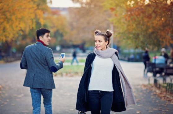 corteggiare una ragazza per strada meglio conoscere su instagram