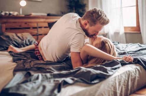 La quantità e la qualità del sesso che fai con una donna è strettamente legata al livello di attrazione